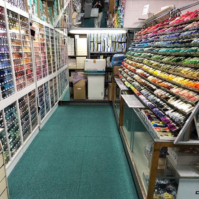 ..やっと来れたよ越前屋.やばい….ずっと居れる、この場所.ワクワクがとまりません..#越前屋 #刺繍糸#この後はギャラリーめぐり#わたしにとっちゃここもギャラリーみたいなものだけど (Instagram)